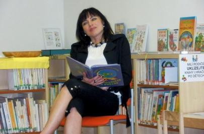 Pasování prvňáčků na rytíře knih a čtenáře knihovny - čtení pohádek